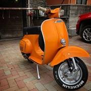 Vespa arancio